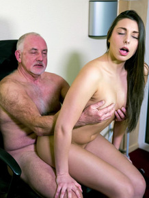 Horny Carla Crouz allows her oldman boss to penetrate her pussy at work