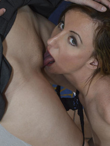 Older and younger women lick pussy while indulging in lesbian desires