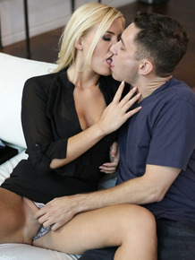 Fair skinned beauties Anya Olsen & Summer Day exchange cum at end of 3some