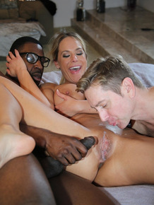 Hot blonde chick makes her cuckold eat jizz after fucking a black bull