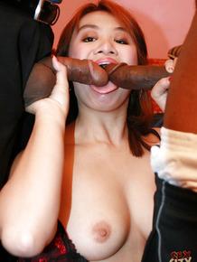 Amateur Asian babe Jenny Pak gets on wild, big and dark-skinned prick