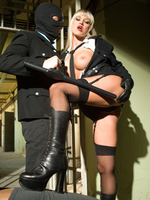 Hot blonde has a kinky 3some in jail cell with fellow correctional officers