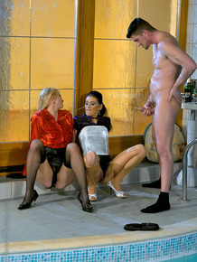 Kinky gal Eva Zappa is into CFNM pissing fun with her friends