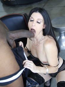 Brunette cougar India Summer goes 1 on 1 with a big black penis
