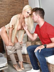 Blonde Latina cougar Luna Star exchanging oral sex after seducing younger dude