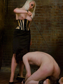 Blonde Dominatrix Lorelei Lee delivers CBT treatment to male sub
