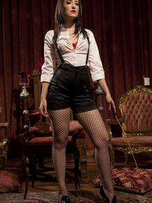 Princess dominatrix & her wicked hot friends prepare to discipline male subs