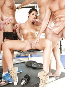 Brunette give blowjob & handjob & gets facial in gym gangbang