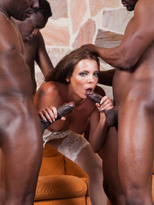 White female Caroline Tosca gets double fucked while having sex with black men