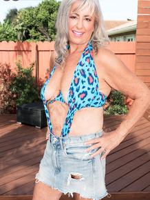 Hot horny granny Silva Foxx getting her big tits licked & sucking big cock