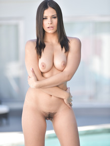 Incredible Latina Violet Starr flaunts her killer curves outdoors