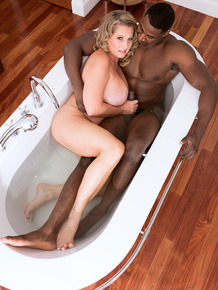 Plump busty Candace Harley bathes big black cock before sucking POV in the tub