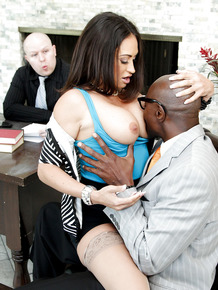 Hot secretary Claudia Valentine in stockings fucking BBS in office threesome