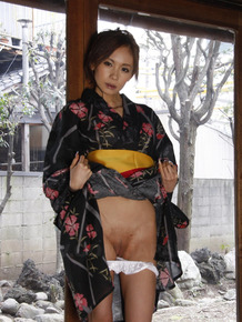 Japanese model Shuri Maihama removes upskirt panties in a kimono