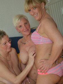 Big titted mature German chicks enjoy enjoy wild fucking in FFFM foursome