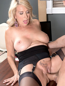 Italian MILF secretary Laura Layne gets penetrated in the office