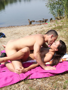 Horny couple skinny dips and fucks at the beach in plain sight of everyone