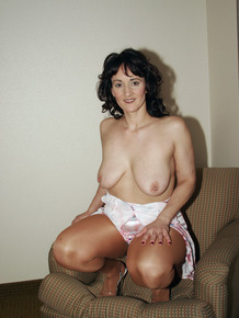 Horny mature Reba unveils her saggy tits & spreads wide open in tan stockings
