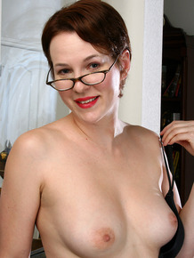 30 plus businesswoman Vada takes off her glasses and all her clothes as well
