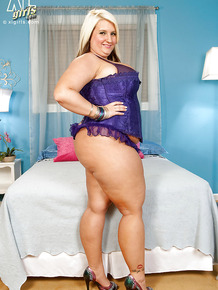 Very large blonde fatty Porsche Dali teases us in her seductive purple lingerie as she shows off her mammoth sized boobs and giant ass.