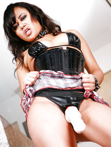 Dirty vixen Annie Cruz undertakes rough pegging of man ass with strapon