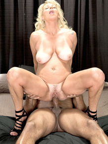 Blonde mature lady Nikki Chevious finally gets the BBC that she's dreamed of