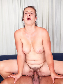 Good-looking milf Eva I slurp a shaft and gets a hardcore ride on it