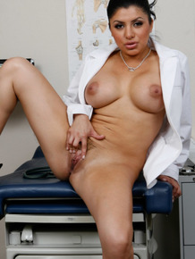 Latin doctor with big tits Sativa Rose gets horny in the hospital