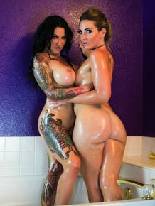 Jen Hexxx and her big assed lesbian girlfriend hump in the nude in bathroom