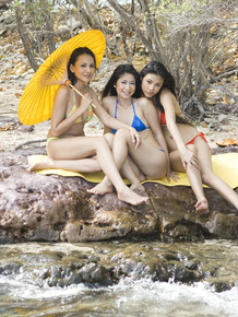 3 Japanese dykes remove swimsuits while spending the day at a swimming hole
