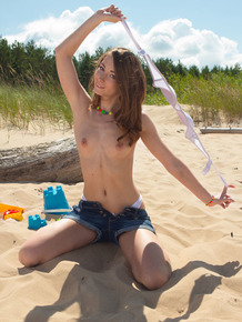 Teen first timer gets naked on beach instead of building sand castles
