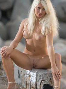 Blonde nudist Katerina B enjoys a beautiful sunset completely nude