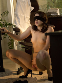 Nerdy chick Kylie Quinn blindfolds herself prior to masturbating