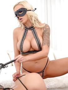 Top lesbian porn scenes in kinky modes with Nina Elle and Amara Romani