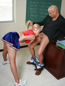 Stunning cheerleader schoolgirl Barbie gives a deep blowjob