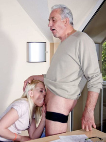 Platinum blonde secretary deepthroats the owner of the company for a promotion