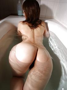 Arousing asian cutie with tempting fanny Mai Kitamura taking bath