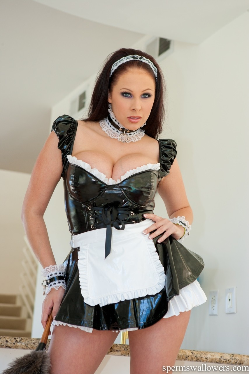Gianna french maid Brunette Chick Gianna Michaels Frees Her Big Boobs From Maid S Outfit Sex Room Xxx